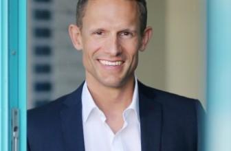 Schönheitschirurg Dr. Philipp Mayr – der führende Spezialist für Nasenkorrekturen und Brustvergrößerungen in Linz-Oberösterreich (OÖ)